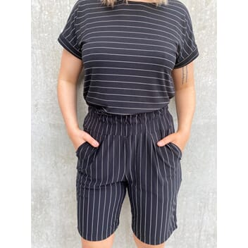 Starki Shorts Stripes Black
