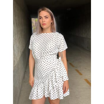 862b88e1 Agnes kjole med dots