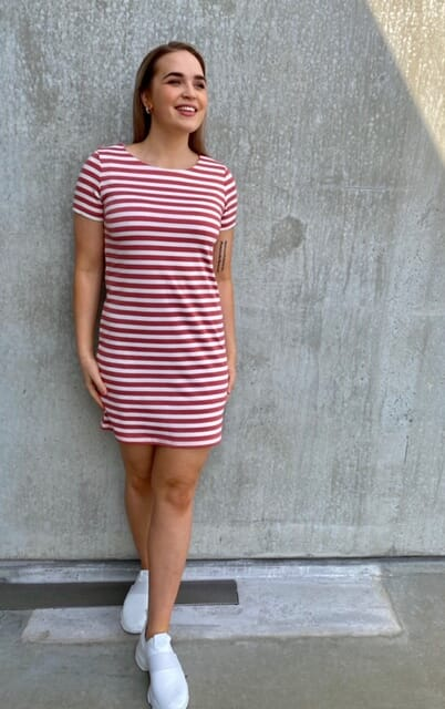 VItinny SS kjole D Cedar Hvit Studio Mote